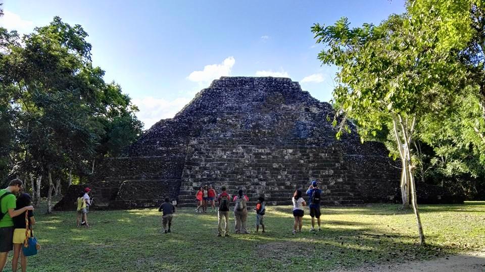 Maya Piramid at Tikal national park
