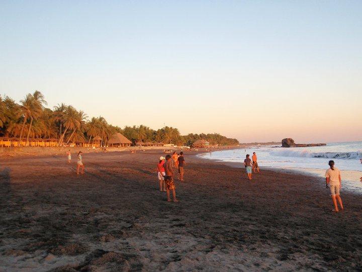 El tunco beach El Salvador